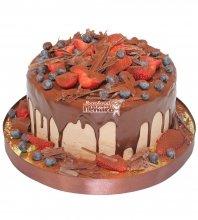 №345 Небольшой свадебный торт с клубникой