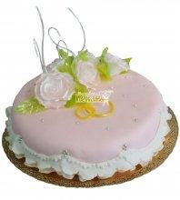 №357 Небольшой свадебный торт с цветами