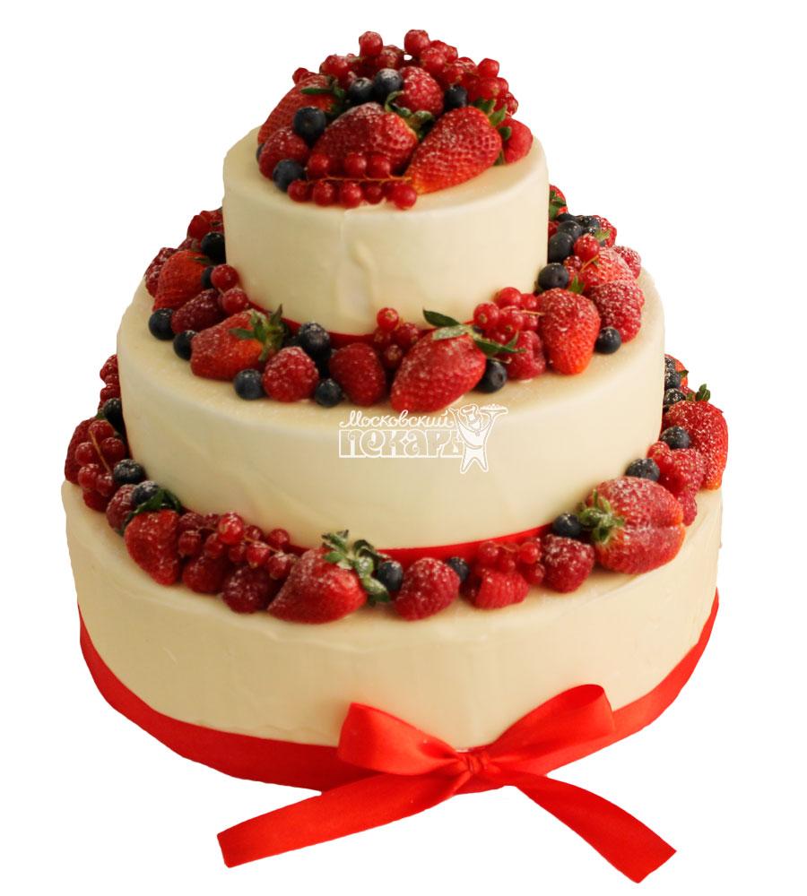№404 Свадебный торт со сливками и клубникой