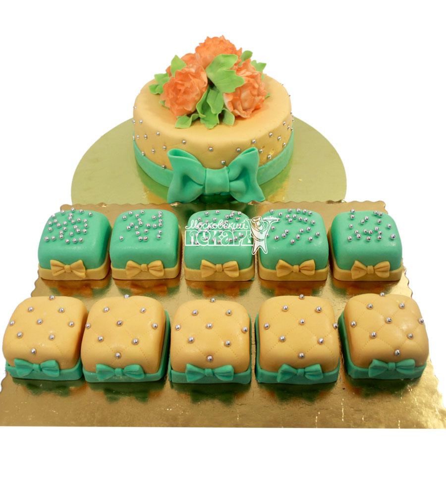 №1295 Свадебный торт с капкейками