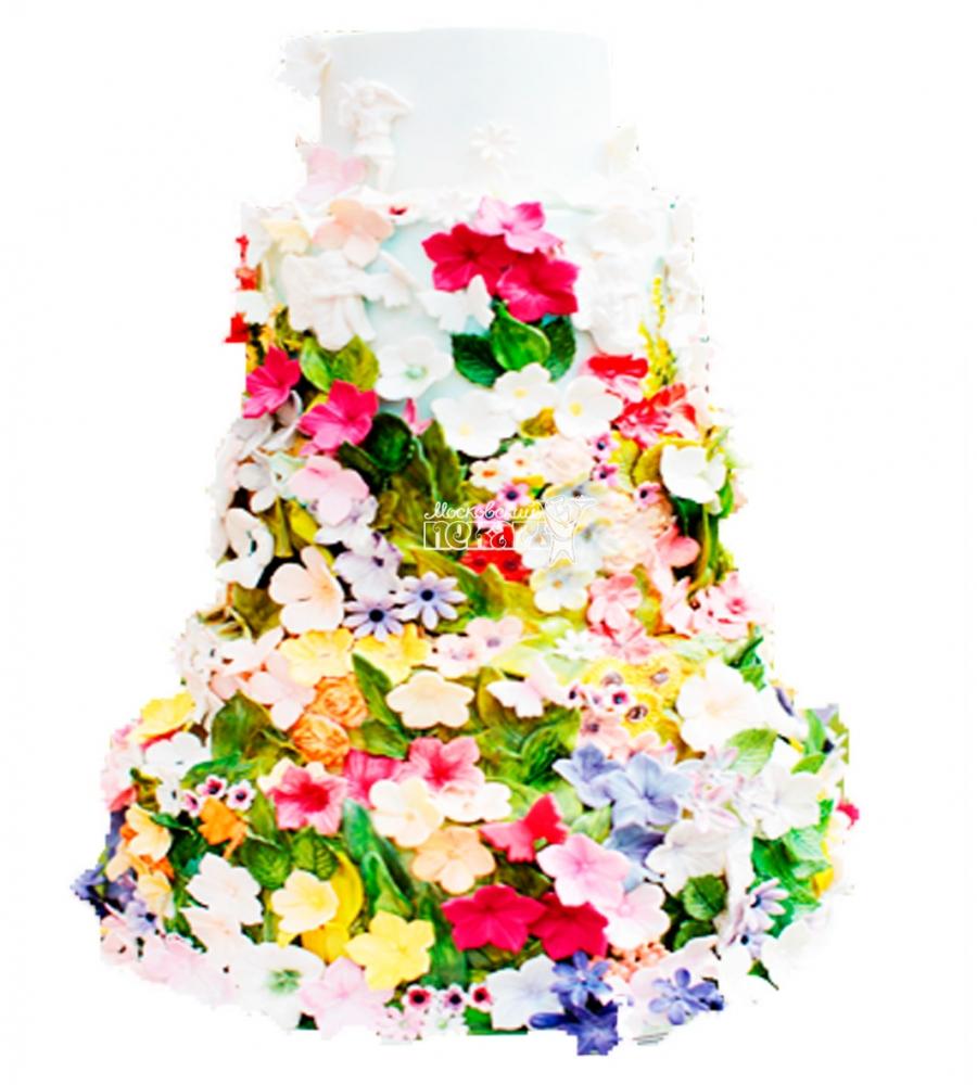 №3905 Свадебный торт с цветами